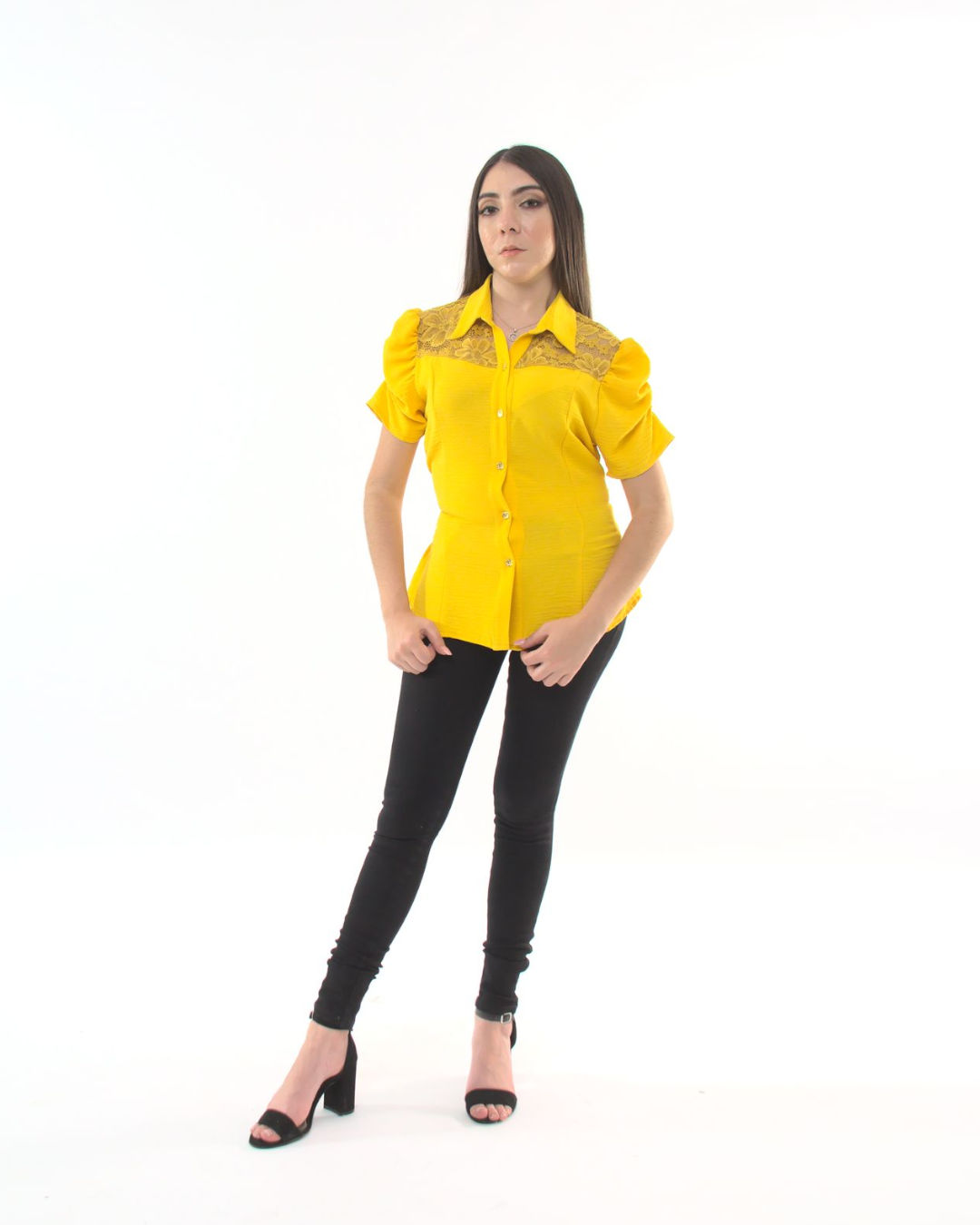 Blusa Lisa Con Encaje En Delantero y Trasero  – 581
