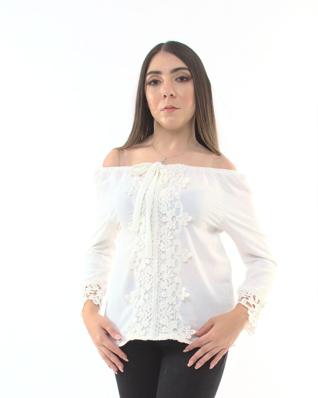 Blusa Lisa Con Guipur – 787